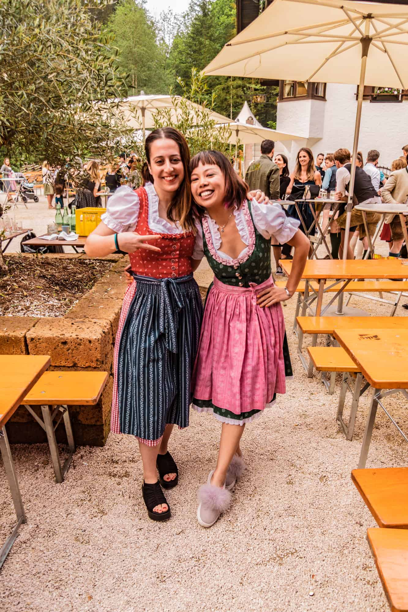 two girls in dirndls