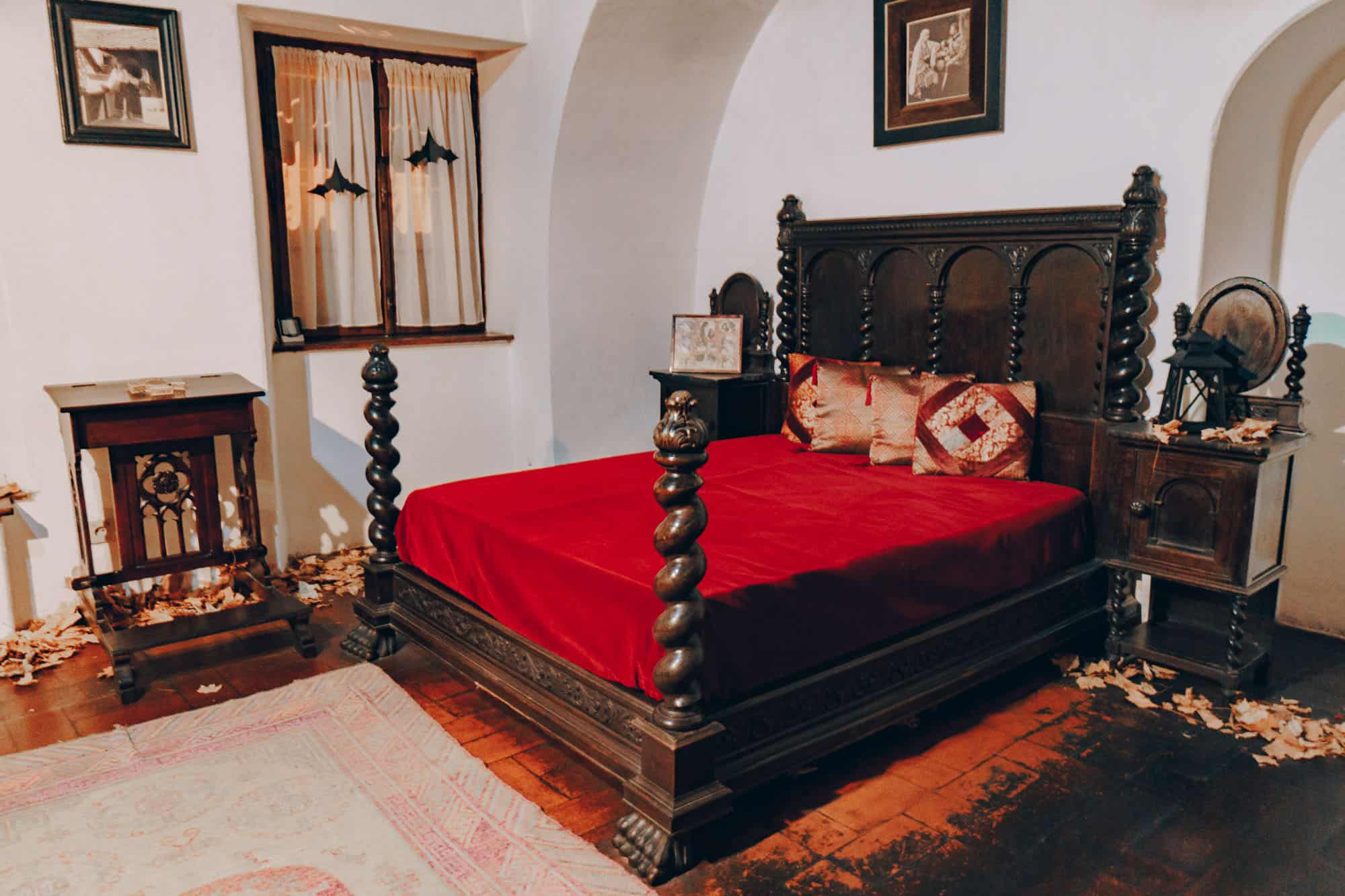 bran castle bedroom